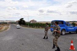Gaziantep Valisi roketlerin düştüğü araziyi inceledi