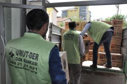 Umut-Der'den çatışma mağduru Şırnaklılara yardım