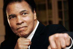 Boksör Muhammed Ali vefat etti