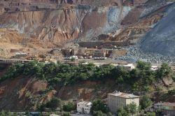 Elazığ'ın Maden ilçesi göçük tehlikesiyle karşı karşıya