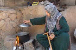 """""""Yanı başımızdaki Suriye'de elektrik var ama bizde yok"""""""