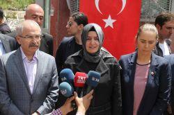 Aile ve Sosyal Politikalar Bakanı Fatma Betül Sayan Kaya Midyat'ta foto