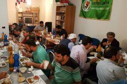 İtalya'daki gurbetçiler iftarda bir araya geldi foto