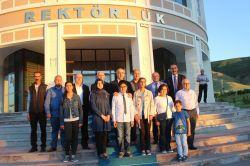 TEOG Türkiye birincileri Muş Alparslan Üniversitesi Rektör ile buluştu