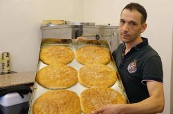 Suriyelilerin Ramazan lezzeti: Mağruk simidi foto