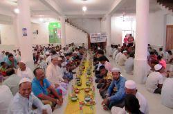 Avrupa Yetim Der'den Sri Lanka'da talebelere iftar yemeği