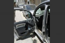 Kızıltepe'de hırsızlar park halindeki araca dadandı foto