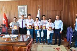 Tarsuslu öğrenciler Uluslararası bilim olimpiyatlarında 4'üncü oldular