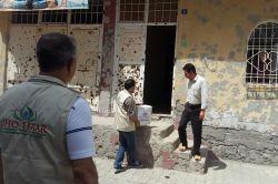 IHO EBRAR Cizre'deki mağdur halka gıda yardımında bulundu