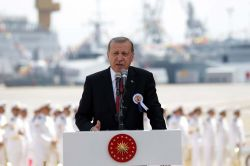 """""""Türkiye'nin askerî konularda atalete düşme lüksü yoktur"""""""