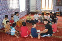 Binlerce çocuk Kur'an ile aydınlanıyor foto