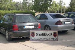 Diyarbakır'da gümrük kaçağı iki lüks araç ele geçirildi