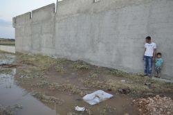 Hilvan'da evin altından geçen şebeke suyu borusu patladı foto