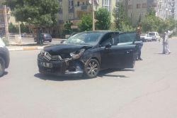 Diyarbakır'da maddi hasarlı trafik kazası foto