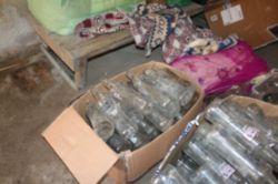 Tarsus'ta kaçak içki imalathanesine baskın foto