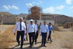 Batman Valisi Ahmet Deniz, Hasankeyf'te incelemelerde bulundu foto
