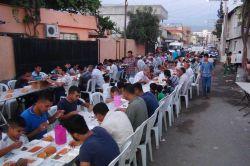 Osmaniye HÜDA PAR 'dan halka açık iftar yemeği