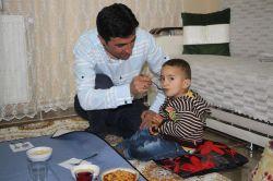 Kaymakam Fethi Yalçın'ın ailesini ziyaret etti