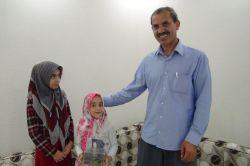 Çınarlı kardeşler harçlıklarını ihtiyaç sahibi aileler için biriktirdiler foto