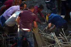 Cami inşaatı çöktü: 1 ölü