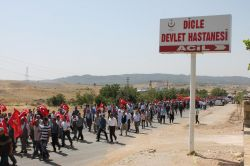 Dicle'de darbe karşıtı yürüyüş
