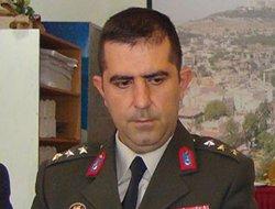 Darbeye karşı yürüyüşe katılan binbaşı da gözaltına alındı