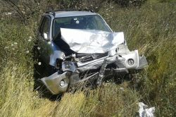 İki otomobil çarpıştı: 2'si ağır 4 yaralı