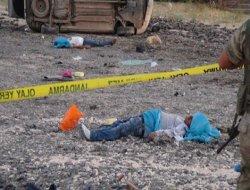 Çınar Aşağıkonak 'ta kamyonet takla attı; 2 ölü, 2 ağır yaralı foto
