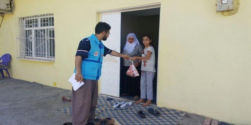 Çınar Müftülüğü 400 aileye kurban eti dağıttı