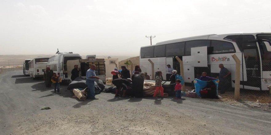 Mülteci kampı çalışanlarını işsizlik endişesi sardı