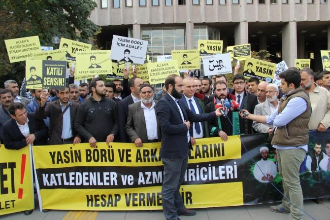 Katil zanlıları cezaevinde siyasi çalışmadan geçip duruşmalara çıkıyor