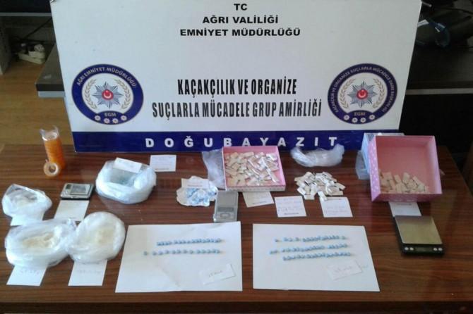 Ağrı'da uyuşturucu tacirlerine operasyon: 3 kişi tutuklandı