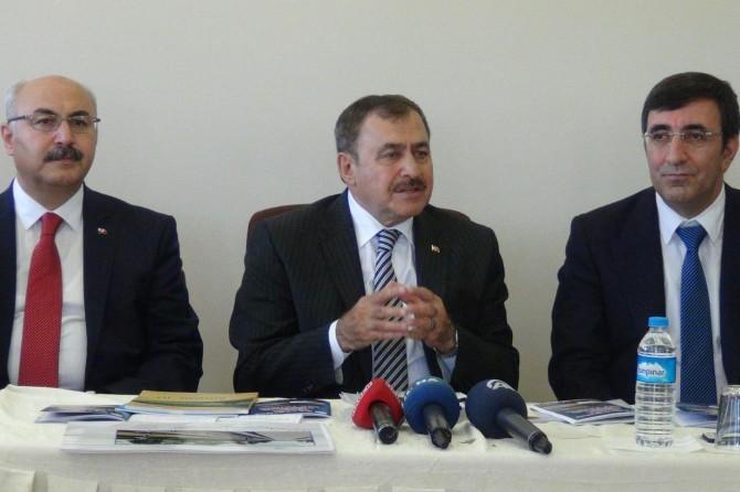 Bakan Eroğlu: Bingöl'e heybemiz dolu geldik