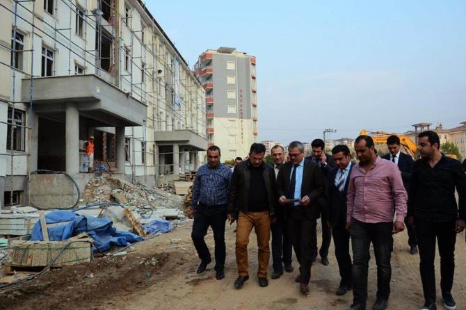 Batman Valisi Ahmet Deniz, okul inşaatlarını inceledi