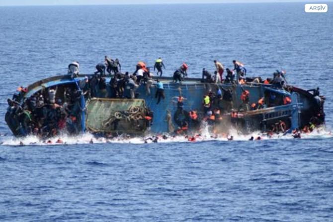 Göçmenleri taşıyan tekne battı: 90 ölü