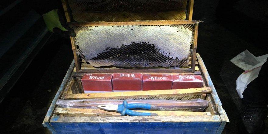Arı kovanları içinde kaçak sigara ele geçirildi