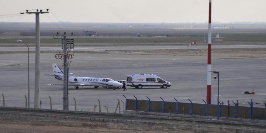 Ambulans uçakla İstanbul'a sevk edilen anne hayatını kaybetti