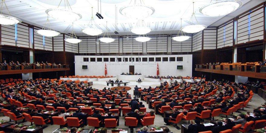 3 madeyên din ên teklîfa guherîna makeqanûnê hatin qebûlkirin