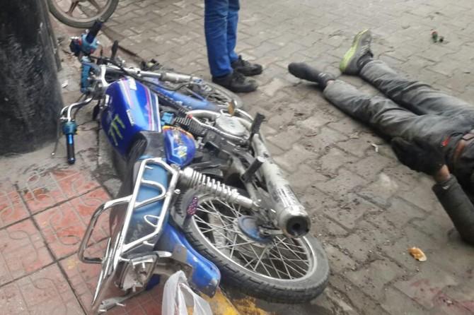 Diyarbakır Ergani'de motosiklet yayaya çarptı: 2 yaralı