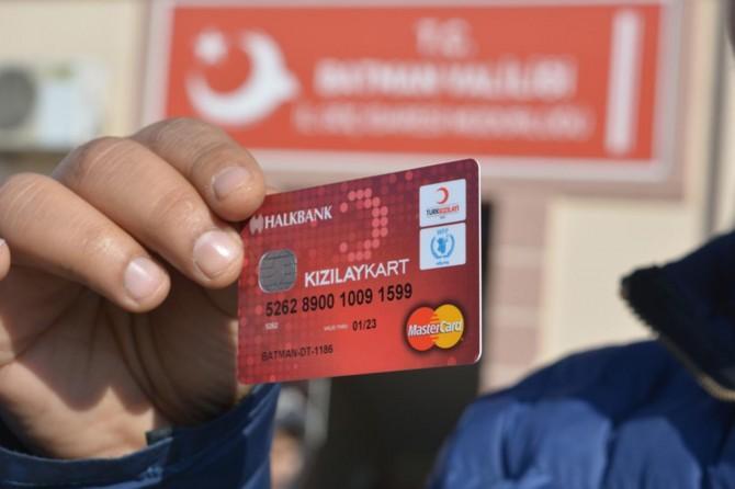 """6 bin Suriyeliye """"Kızılay Kart"""" dağıtıldı"""
