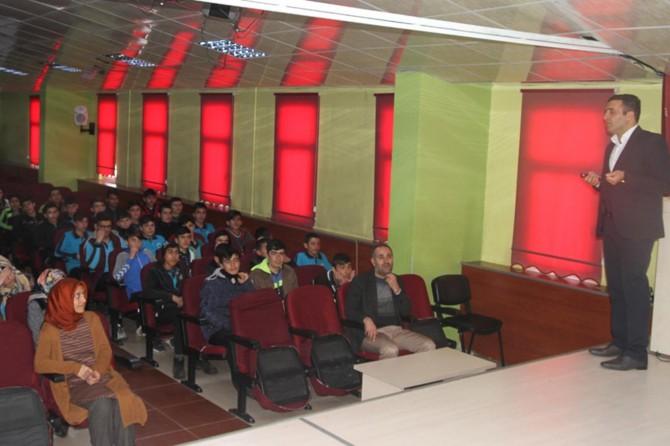 Öğrencilere yangın ve deprem semineri verildi