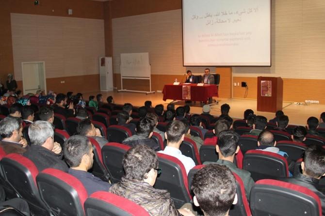 Dicle Üniversitesinde Arap edebiyatı ele alındı