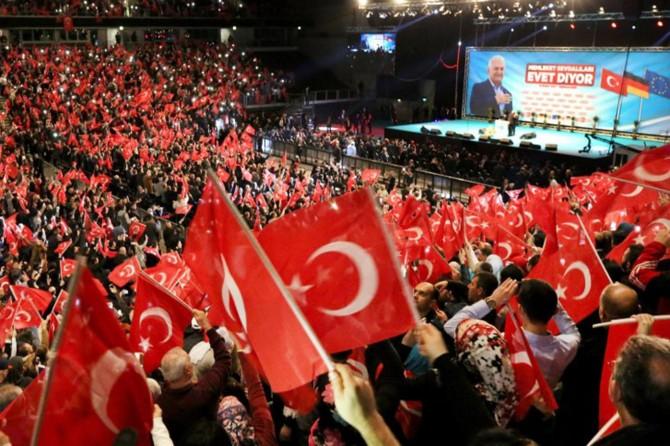 AK Parti, Almanya'daki referandum etkinliklerini iptal etti