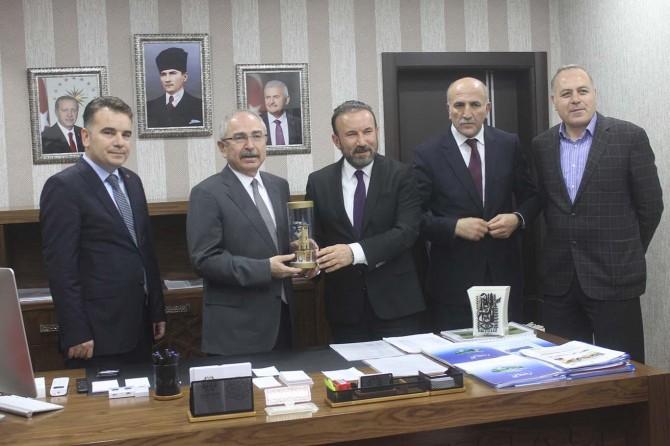 İzmit Belediye Başkanı Doğan Mardin'de