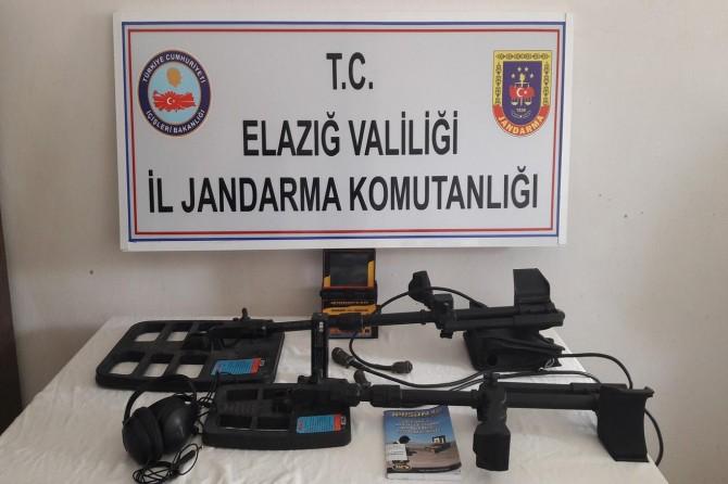 Elazığ Baskil'de dedektörle arama yapan 7 kişi yakalandı