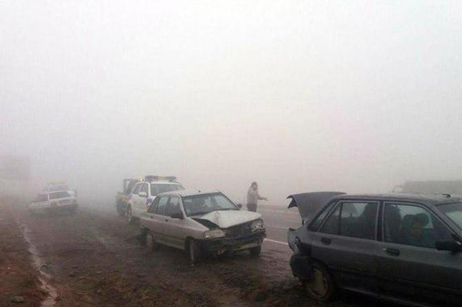 İran'da zincirleme kaza: 89 yaralı