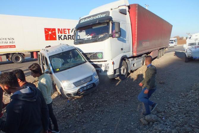 Diyarbakır Bismil'de trafik kazası: 3 yaralı