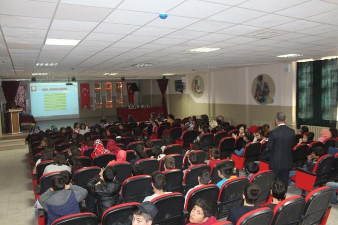 Kahta'da minik öğrencilere trafik eğitimi verildi