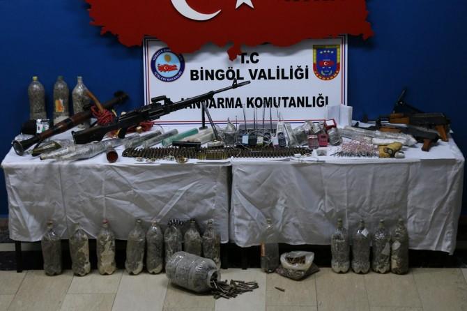 Bingöl Yayladere'de PKK'ye ait mühimmat ele geçirildi