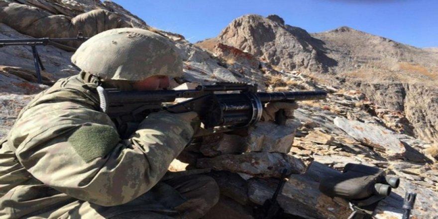 Sınır karakoluna taciz ateşi: Bir asker yaralı